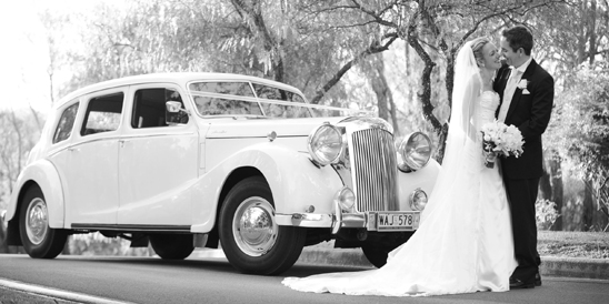 Absolute-Vintage-Elegance-Limousines